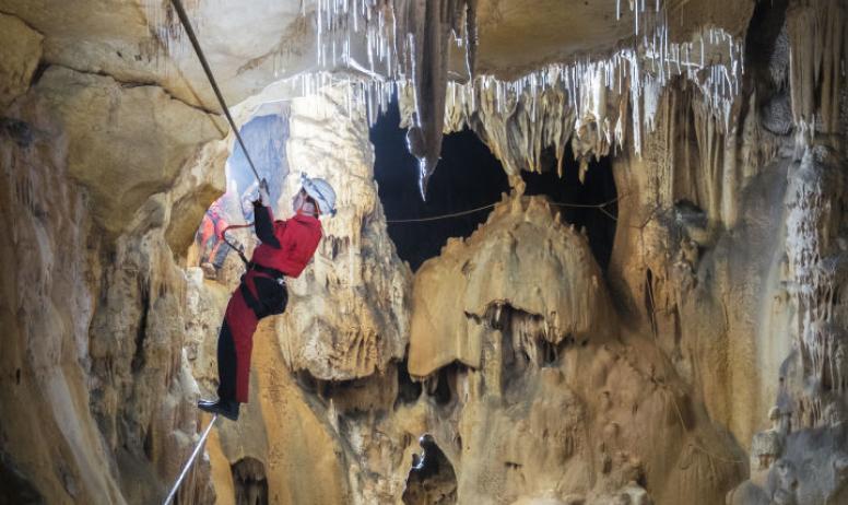 Rémi Flament Photographie - Traversée sous les stalactites