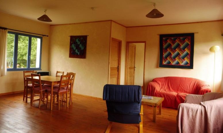 © Les Blaches - Le séjour dans le petit appartement