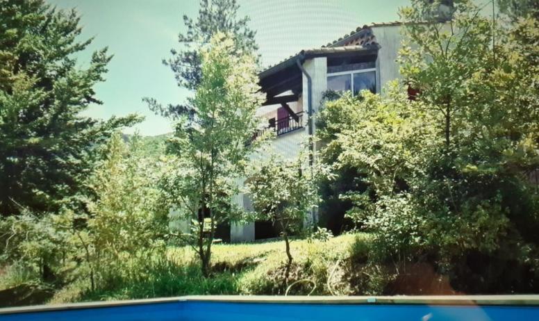 Boissin Jean-Michel - vue sur la maison de la piscine