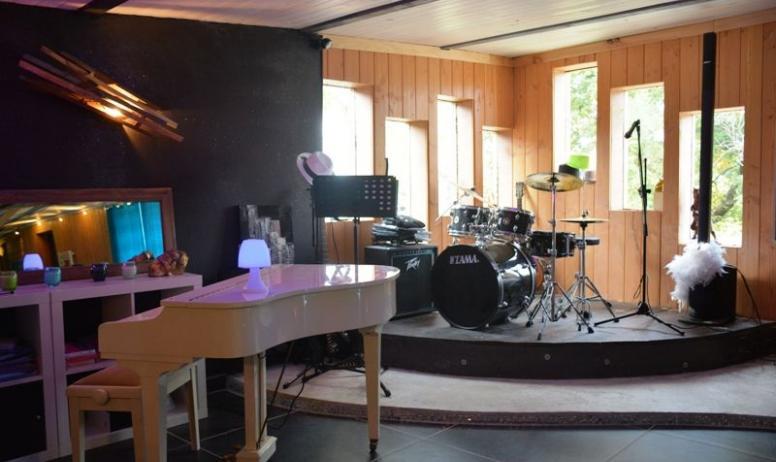 Le Vallon des étoiles - l'Espace Musical et Honesty à Lussas