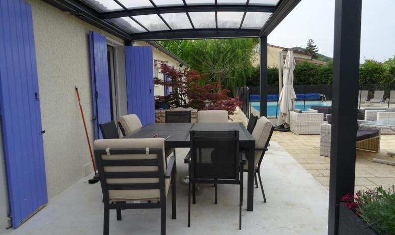 Gîtes de France - Nouvelle terrasse avec toit ouvrant