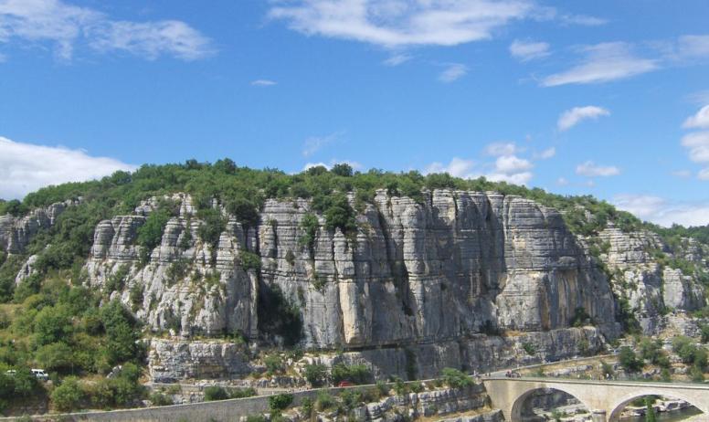 Gîtes de France - les falaises de Balazuc