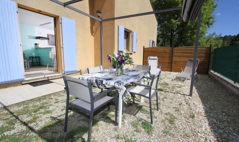 Gîtes de France - terrasse olivier