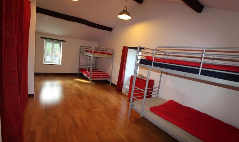 Gîtes de France - le dortoir - 6 lits 90 x200  superposés