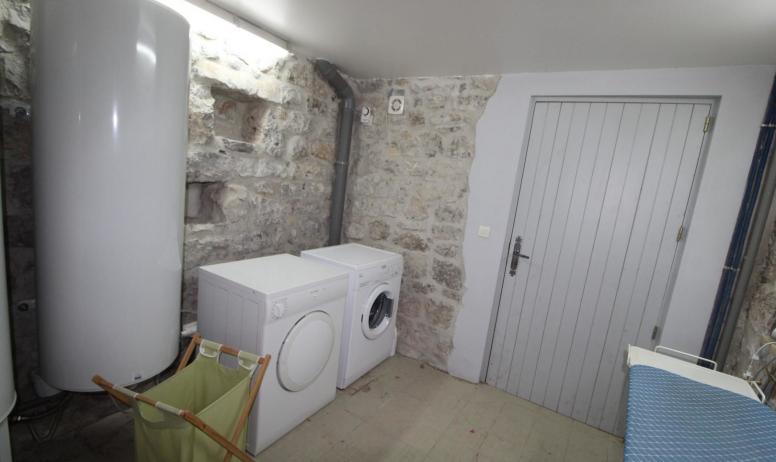Gîtes de France - Le cellier avec lave-linge et sèche-linge