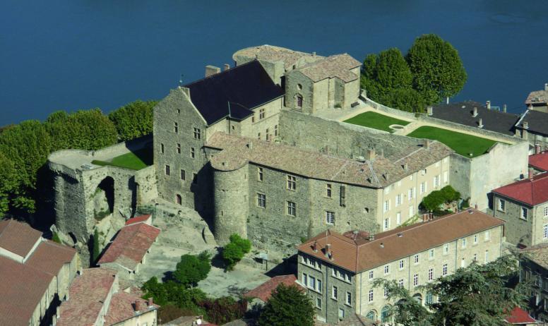 Ville de Tournon - Vue sur le Château Musée