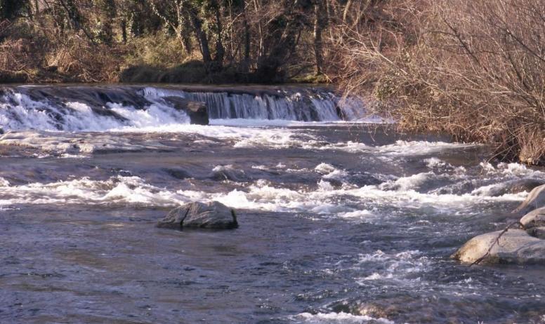 Gîtes de France - rivière la beaume situé devant la propriété du Double L