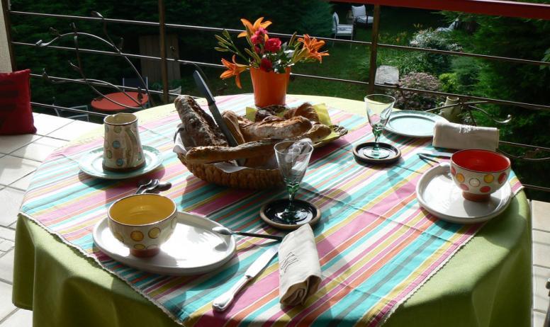 Petit-déjeuner copieux et local