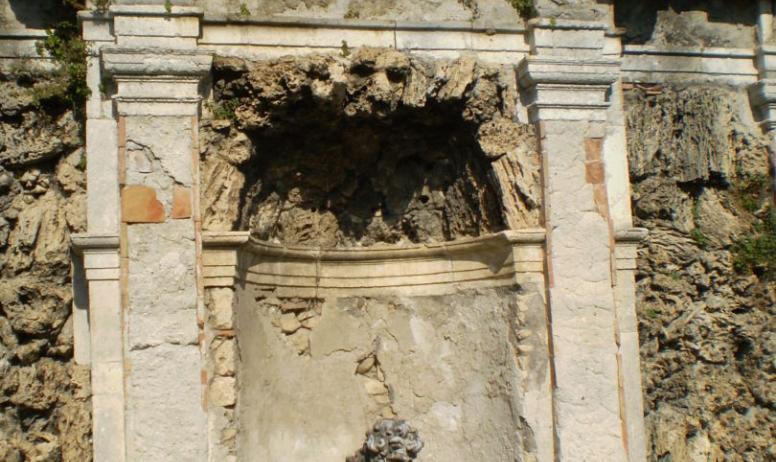 OTI DRAGA - fontaine à Neptune