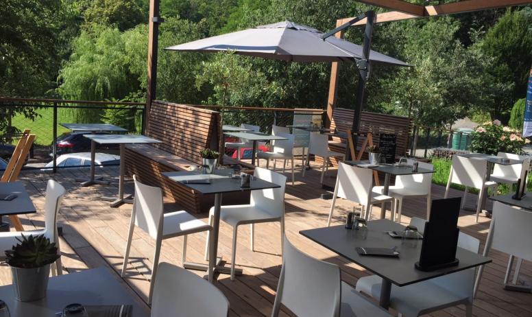 Terrasse Restaurant Cartier Love Online