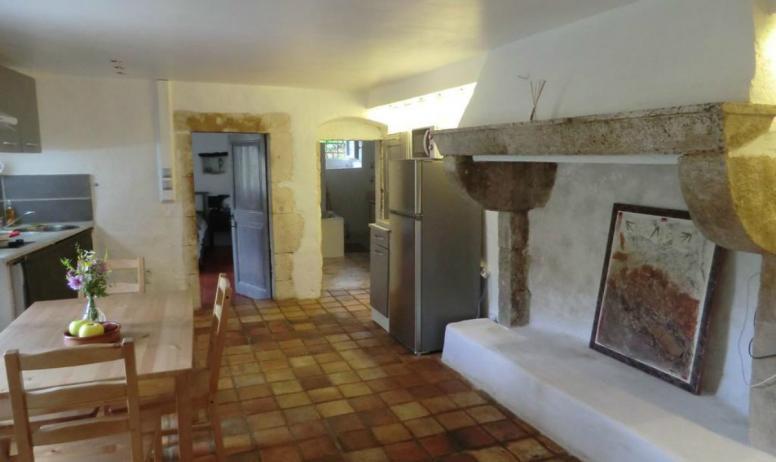 Véronique Harpaillé - Un salon en vieille pierre
