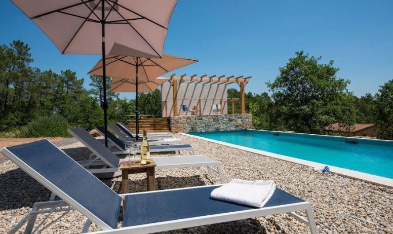M. Dupont - S. Vigouroux - Gite l'olive Lisbonne piscine commune