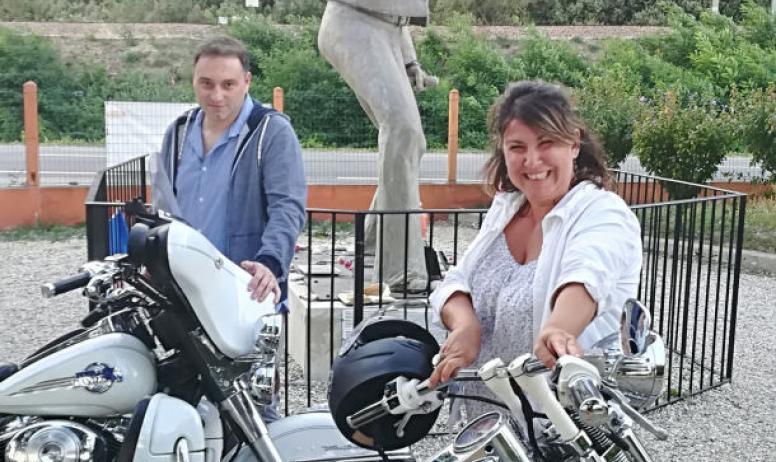 Olivier Fidenti - Statue de Johnny