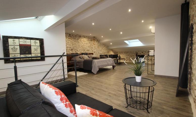 Gîtes de France - Suite Maë , la plus grande chambre de l'établissement avec 2 coins salons