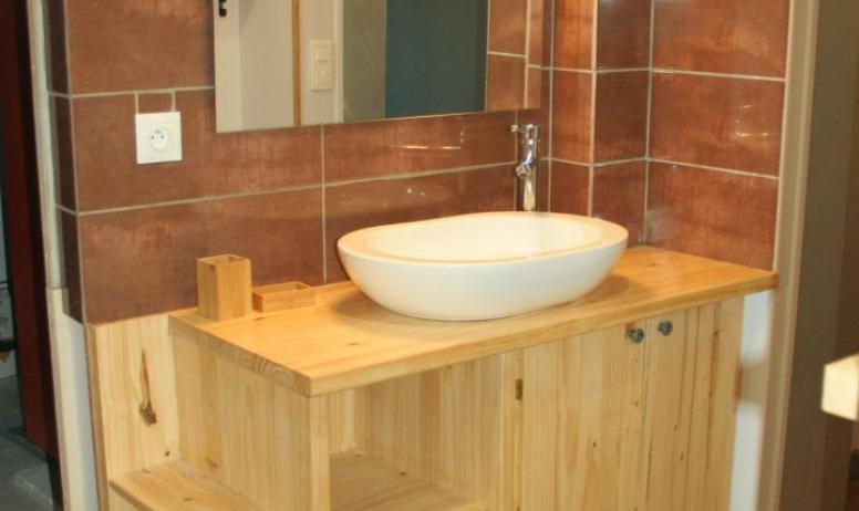 ©Entre Auvergne et Provence - Salle de bain