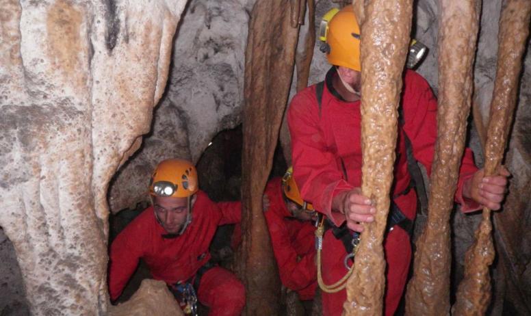 GEO ardeche canyon - GEO speleologie