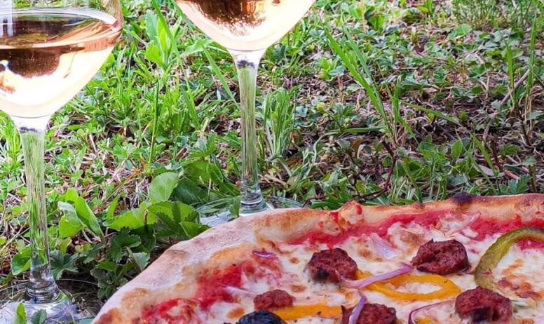 L'aparté - Pizza et verres de rosé