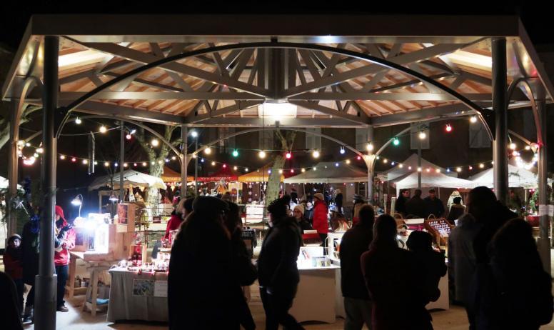 © Nicolas Garousse - Le marché de Noël à Vernoux-en-Vivarais