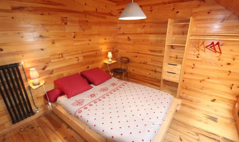 Gîtes de France - Chambre avec 1 lit en 140, esprit montagne