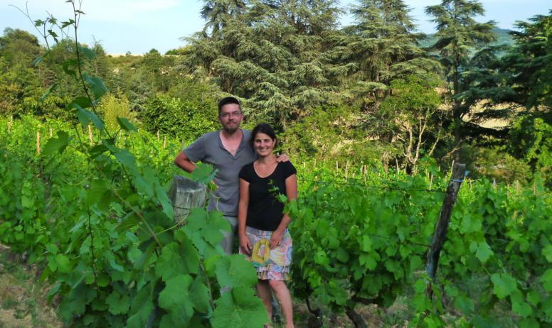 Domaine Morlanche - Lisa Lavagne et Brice Banchet dans les vignes