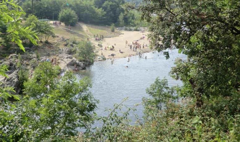 Gîtes de France - la baignade vue d'en haut