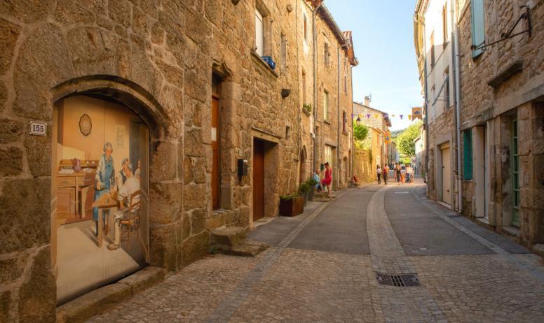 ©S.BUGNON - Meyras - La grande rue