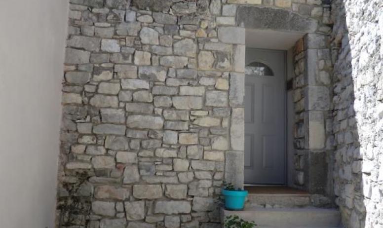 Gîtes de France - accès à la chambre romantique