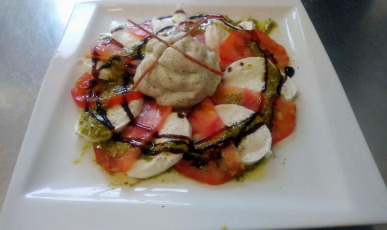 Tomates, bufala, spuma, basilic
