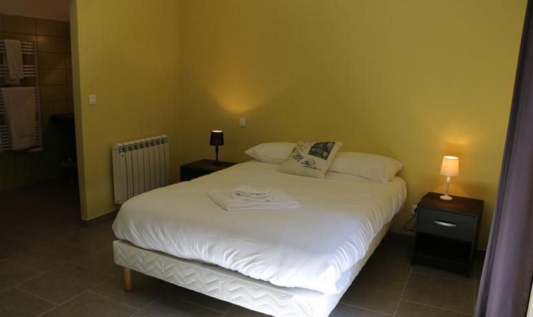 Chambre double spacieuse