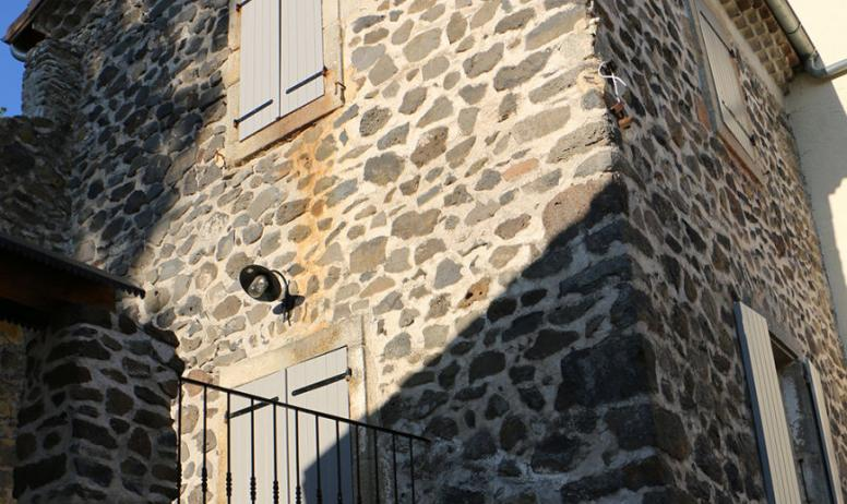 Gîte en pierres de basalte