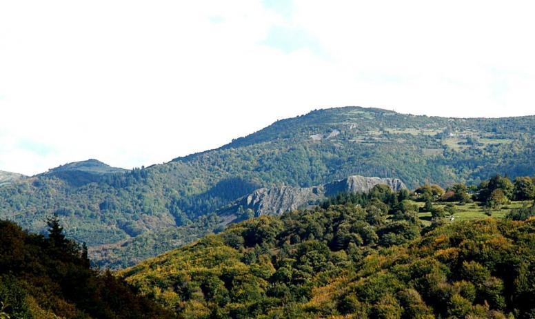 Stéphanie Dutruel - Vue sur le volcan d'Ajoux