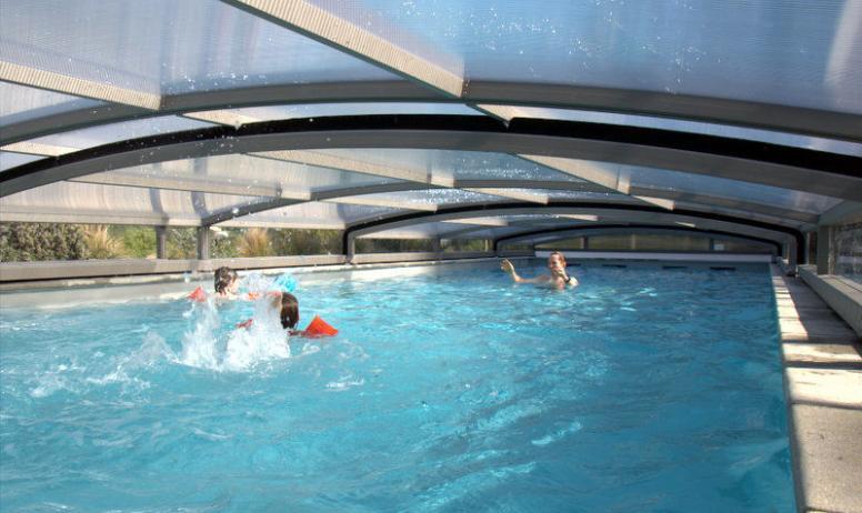Gîtes de France - la piscine du domaine..couverte..!