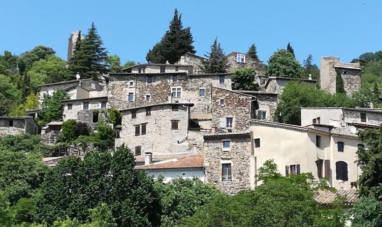 M. Mercoeur - vue d'ensemble du vieux village