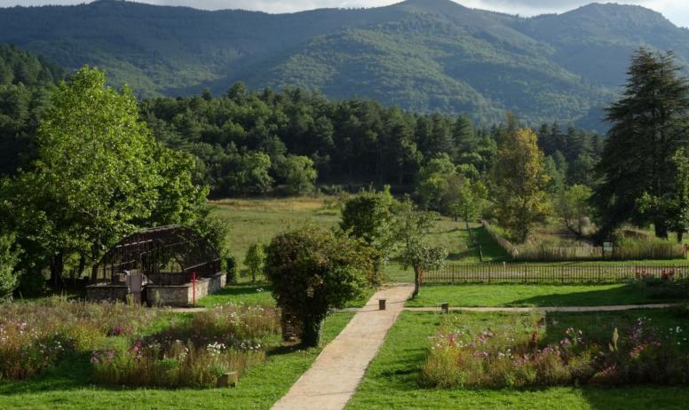 ©PNRMA - Jaujac - Maison du Parc naturel regional des monts d'Ardèche ©PNRMA