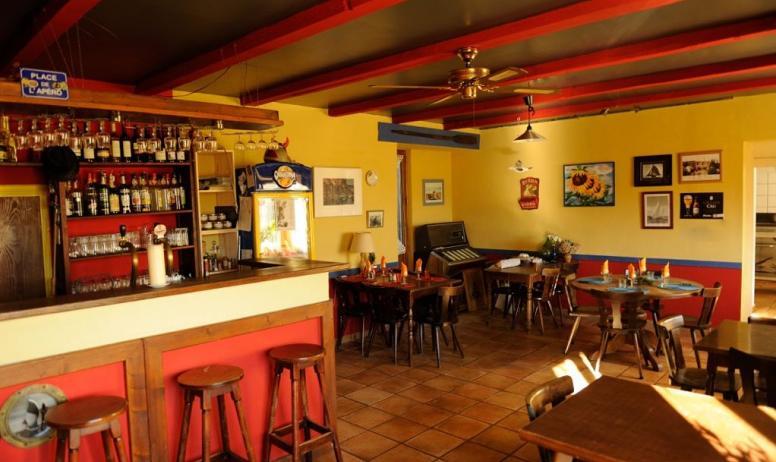 yet vanstaen - restaurant au bon port bistrot de pays saint melany ardeche
