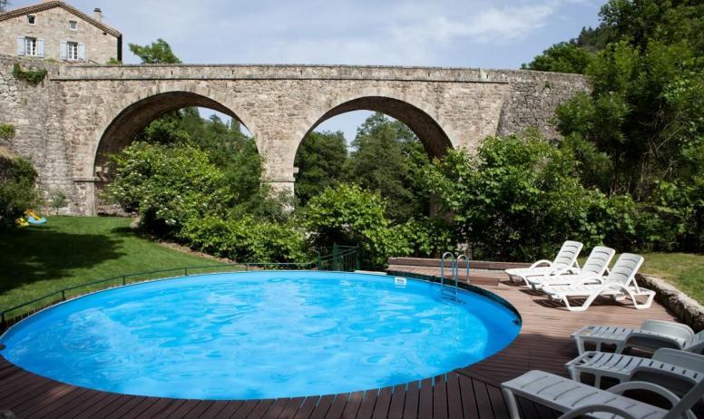 Gîtes de France - Piscine au bord de la rivière, 8m de diamètre