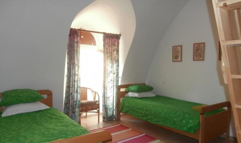 Gîtes de France - Troisième chambre, 2 lits simples, et 2 matelas en mezzanine pour les enfants