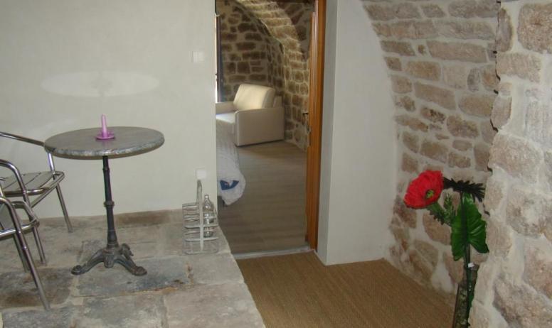 Gîtes de France - Entrée chambre Coutinelle côté cour