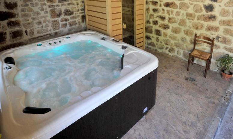 Gîtes de France - Jacuzzi et sauna infra-rouge