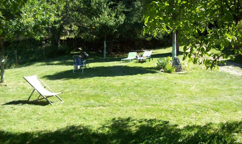 Gîte le Rieu - Jardin 2